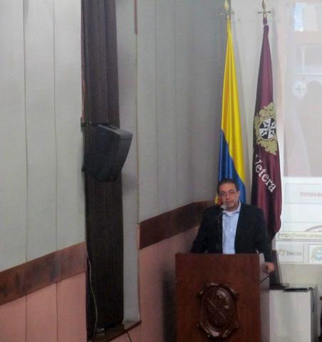 Carlos Alberto Patiño Villa, Director IEU