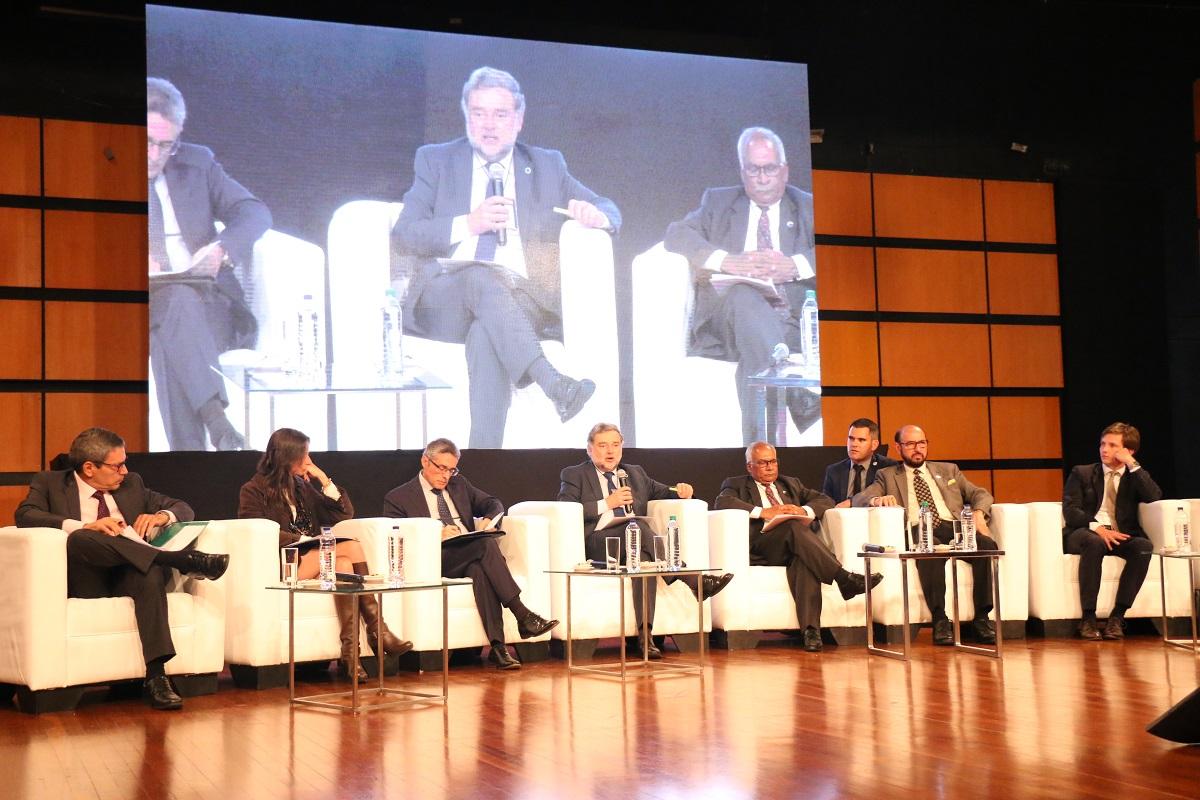 Conversatorio previo al Foro Retos del Desarrollo en la Cuarta Revolución Industrial / Foto Ricardo Salamanca
