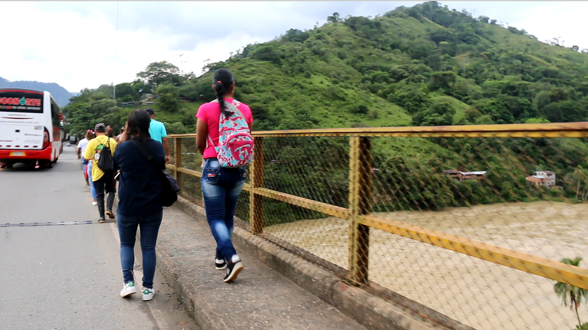 Desplazados de Puerto Valdivia, Antioquia por inundaciones / Foto Paola Medellín