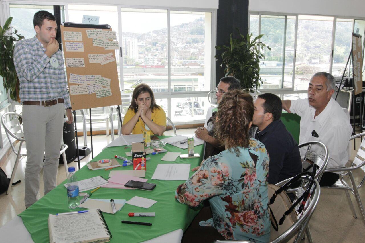 Taller Diálogos Ciudadanos: Gobernabilidad. Foto Fredy Amariles, oficina asesora de comunicaciones AMVA