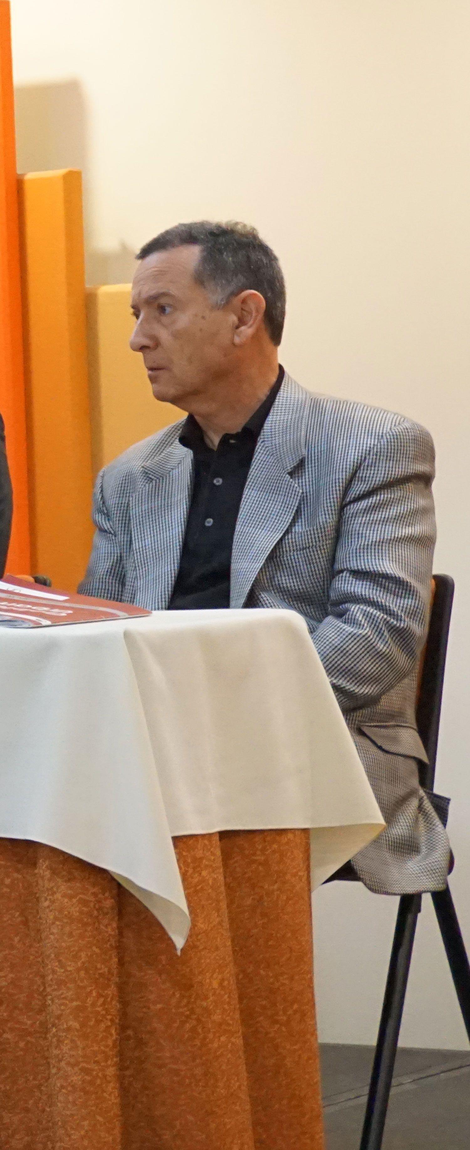 Fabio Zambrano, profesor IEU