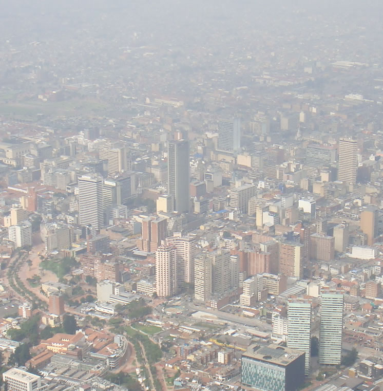 Fotografía: Scott Molineaux. Bogotá. (2011) [en línea]. [consultado 17 jul. 2013]. Recuperado a partir de: http://www.flickr.com/photos/scott_molineaux/5466478331