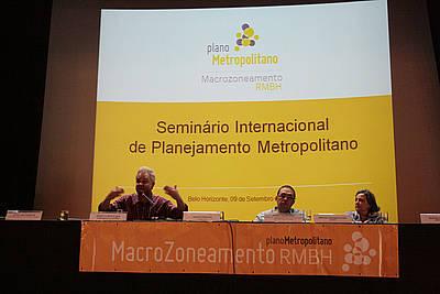 Seminario Internacional de Macrozonamiento Metropolitano. Brasil 2014.