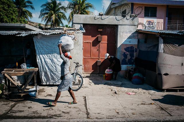 Desigualdad en América Latina, de indicadores puramente económicos al problema de la discriminación