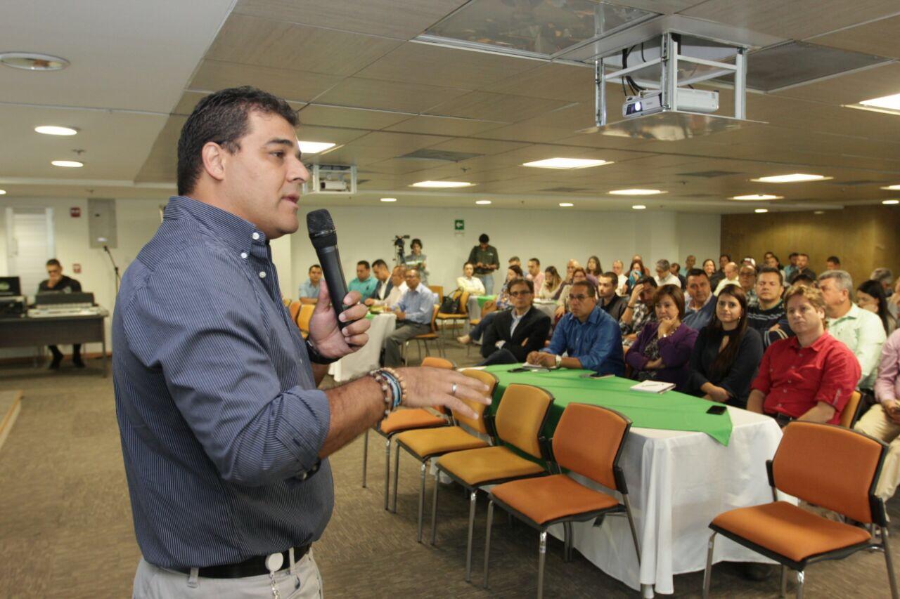 Víctor Piedrahita, subdirector de Planeación del AMVA. Foto: Fredy Amariles, oficina asesora de comunicaciones