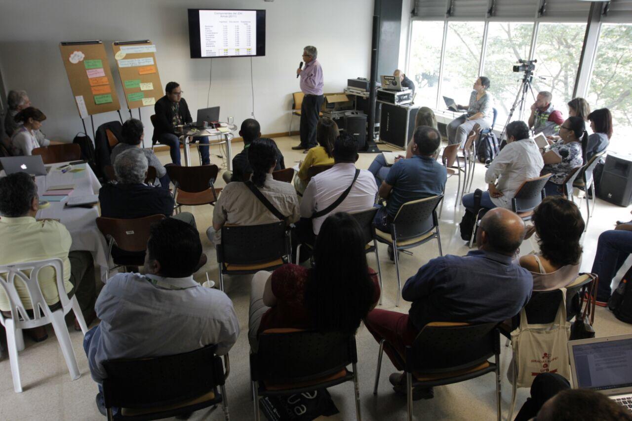 Taller Diálogos Ciudadanos: Desarrollo humano. Foto Fredy Amariles, oficina asesora de comunicaciones AMVA
