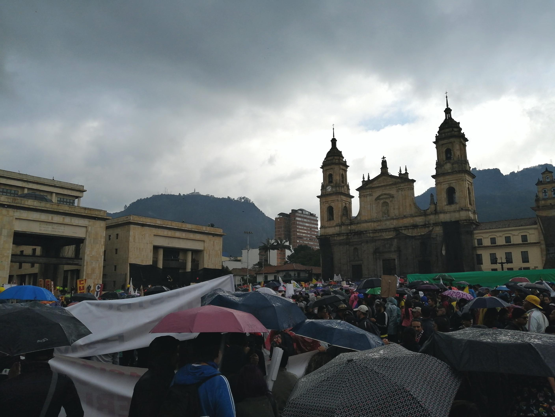 Concentración en la Plaza de Bolívar de Bogotá - 21N / Foto Paola Medellín