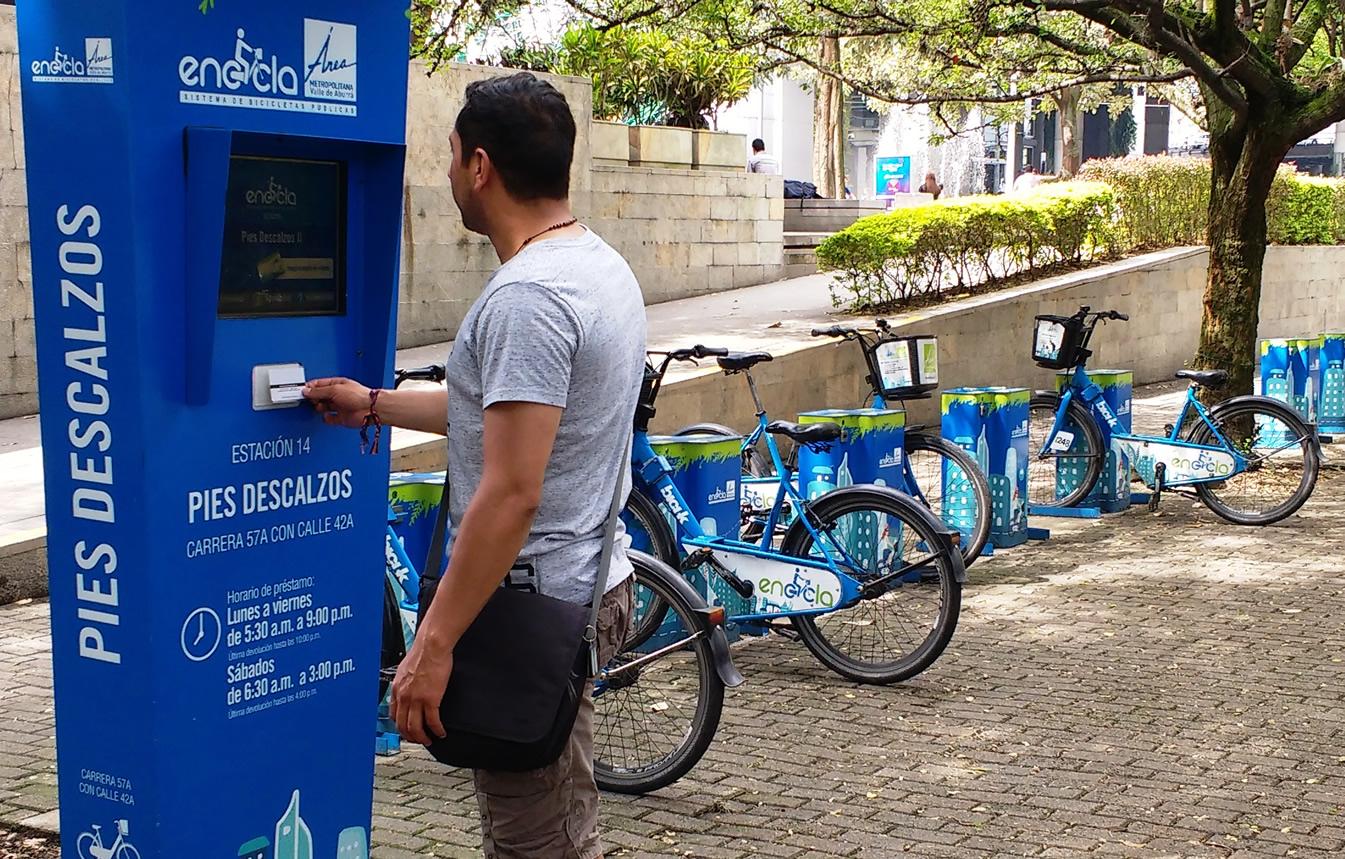Sistema de bicicletas compartidas, estación Pies descalzos, Medellín