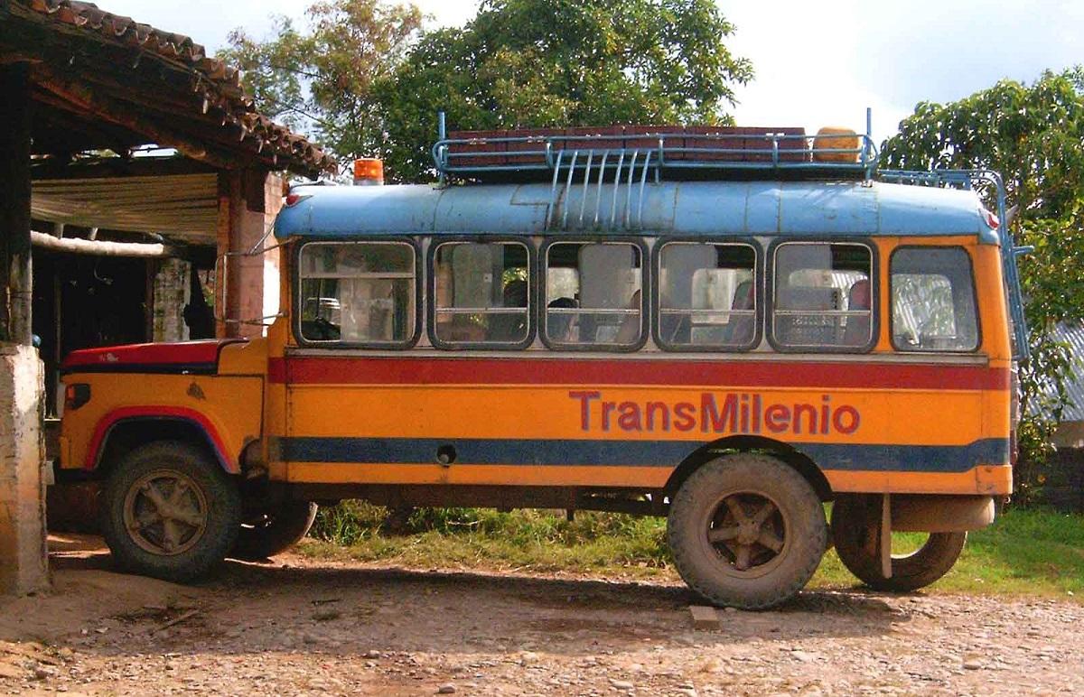Ednamortegui. (2007). TransMilenio [Charalá, Santander, Colombia]