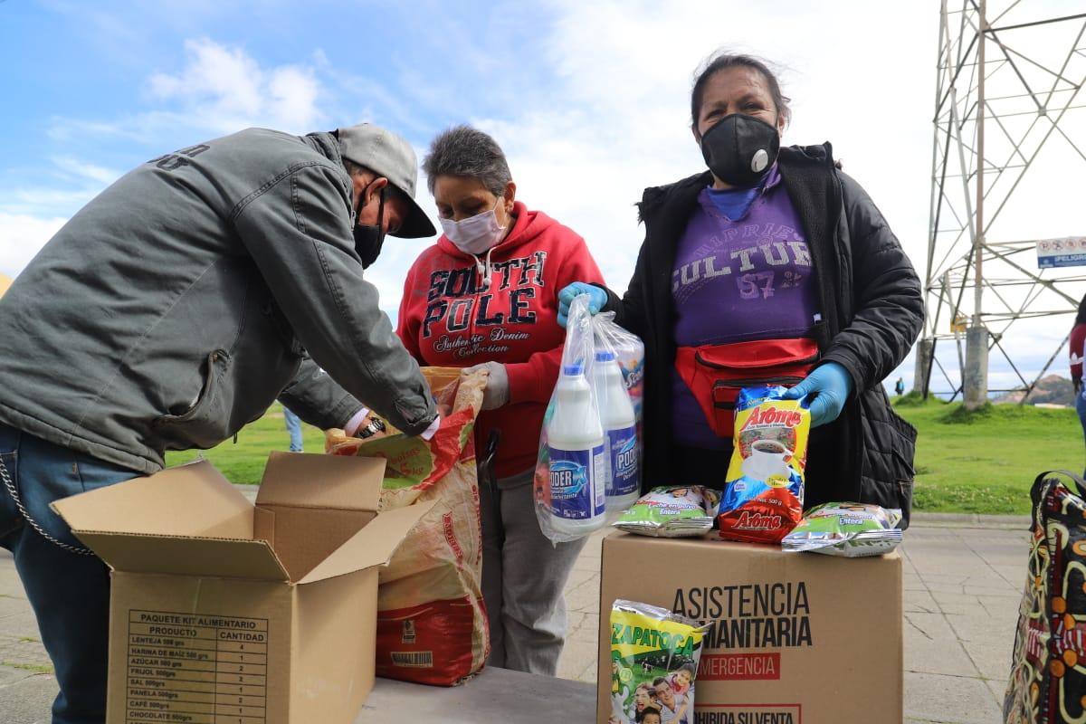 Vendedores informales reciben ayudas en Bogotá / Foto cortesía Instituto Para la Economía Social