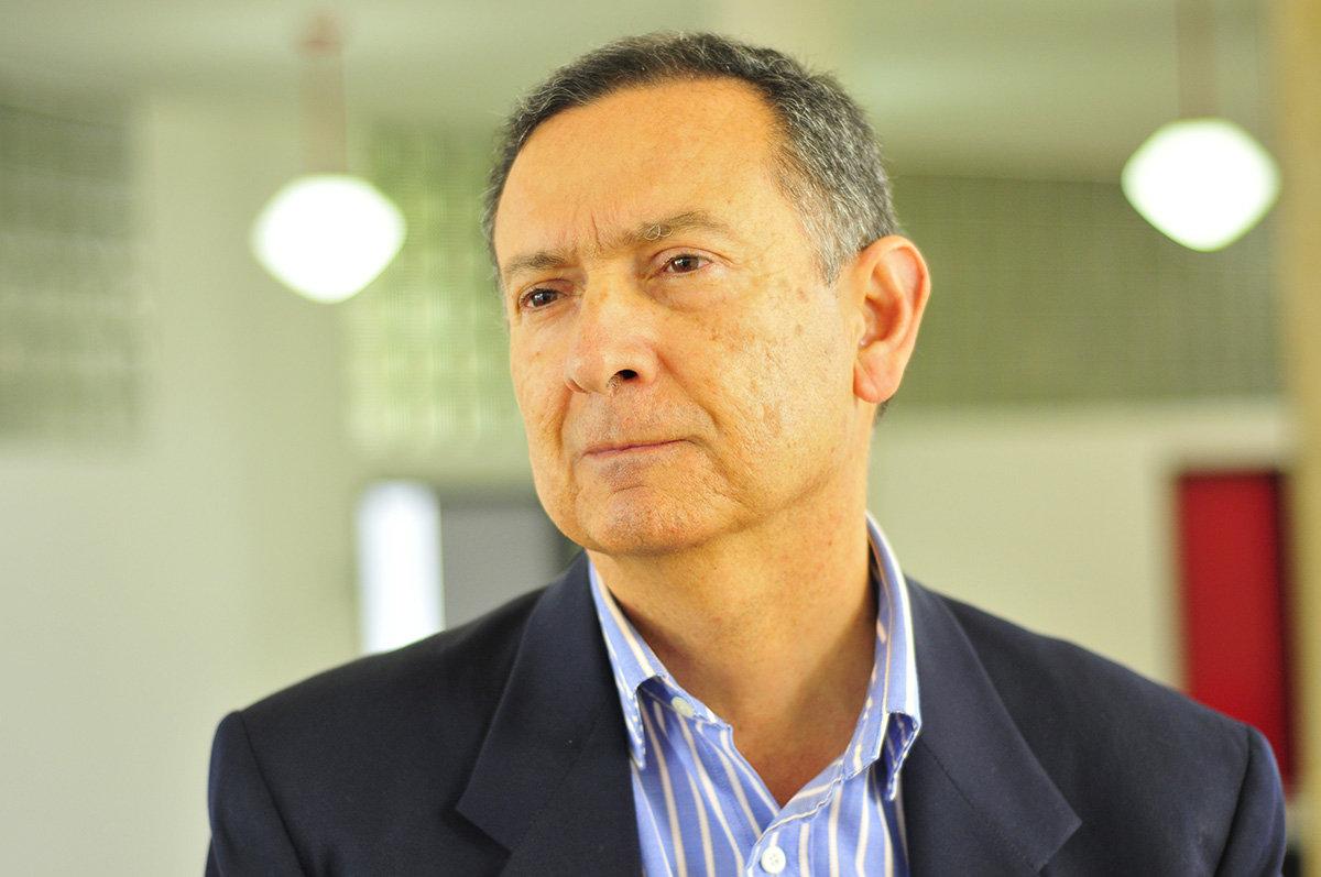 Profesor Fabio Zambrano / IEU